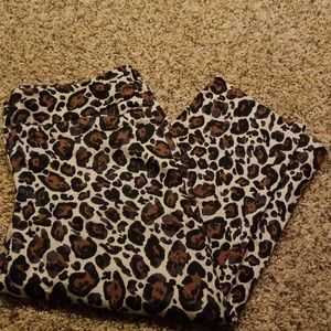 Womens lo leopard crop pants